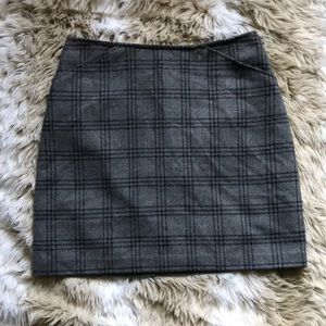 Old Navy Grey Plaid Mini Skirt Size 8